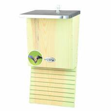 Fledermauskasten aus Holz mit Zinkblechdach