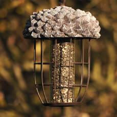 Vorratssilo für Streufutter und Sonnenblumenkerne in...