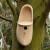 Holzschuh als Nistkasten
