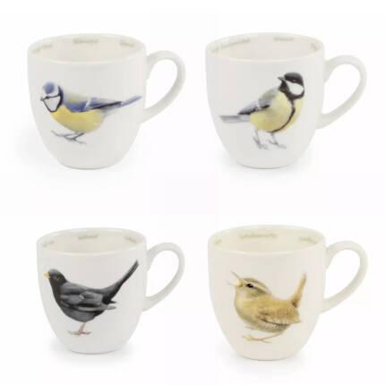 Keramiktasse mit verschiedenen Gartenvögeln